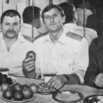 Михайлов (справа), Олейник (слева), Бахметьев А.М.